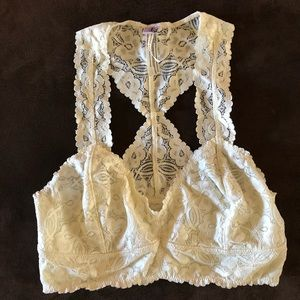 INTIMATELY FREE PEOPLE LACE BRALETTE S